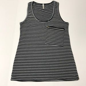 Cozy Casual Stripe Tank Zipper Pocket M